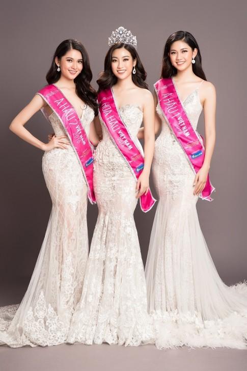 Top 3 Hoa hậu Việt Nam 2016 tung bộ hình 'tháng năm rực rỡ' trước khi chia tay nhiệm kỳ