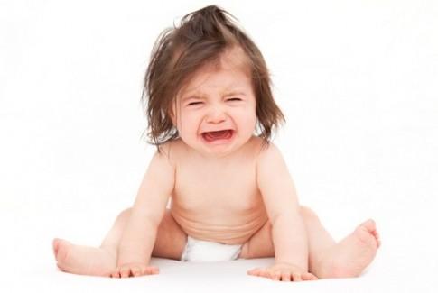 Trẻ hay ăn vạ cha mẹ nên xử lý ra sao?