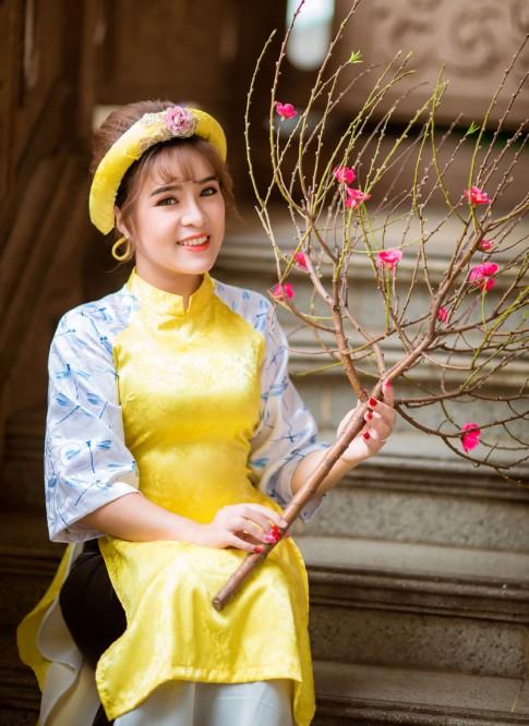 Tuyệt chiêu diện áo dài xinh như Hoa hậu Rapper Thảo Hiền