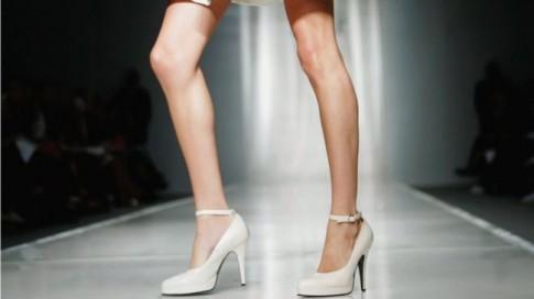 90% phụ nữ biếng ăn là nguyên nhân ra đời của luật cấm mới trong giới người mẫu tại Pháp