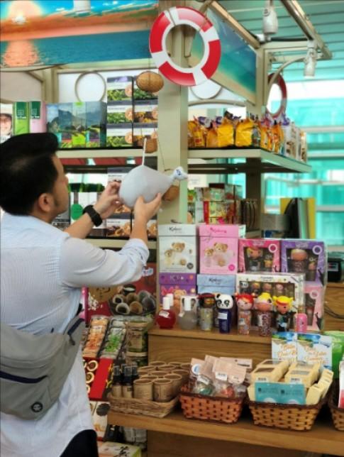 'Biển quà tặng' cho khách bay Nha Trang, Phú Quốc hè 2018