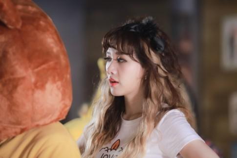 'Bóc giá' thời trang bình dân của Hari Won trong MV mới nhất
