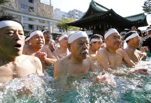 Các nhà khoa học Nhật Bản công bố yếu tố khiến người nước này sống lâu hơn 100 tuổi