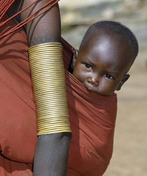 Cách dạy trẻ đi vệ sinh của các mẹ trên thế giới