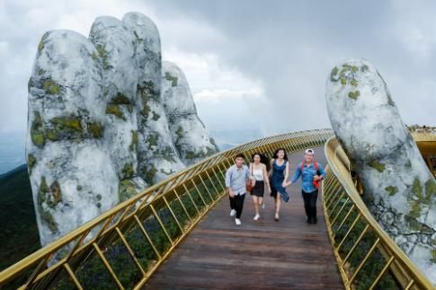 Cầu Vàng tại Đà Nẵng xuất hiện trên báo nước ngoài
