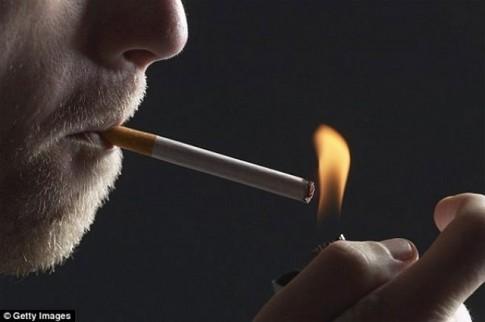 Chỉ 1 điếu thuốc/ngày, nguy cơ đột quỵ và mắc bệnh tim tăng 50%