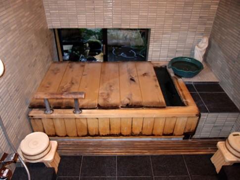 Đây là lí do người Nhật Bản chỉ thích tắm bồn