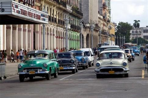 Đường phố Havana tràn ngập xe cổ