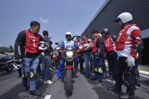 """Hàng trăm xe PKL hội tụ tại trường đua Sepang trong hành trình Honda Châu Á """"Honda Asian Journey"""""""