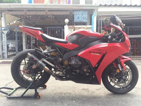 Honda CBR1000RR đầy phong cách với vẻ ngoài như nguyên bản