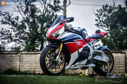 Honda CBR1000RR SP siêu khủng trong bản độ Racing Performance