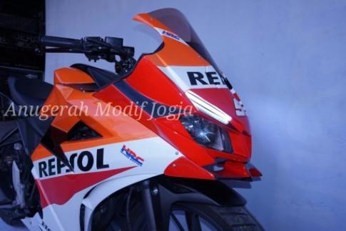 Honda CBR150R mới độ theo phong cách Repsol