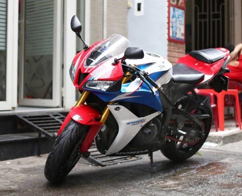 Honda CBR600RR vô cùng ấn tượng trong bản độ cực chất của biker Việt