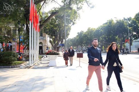 Khách quốc tế đến Việt Nam quý 1 tăng gần 30%