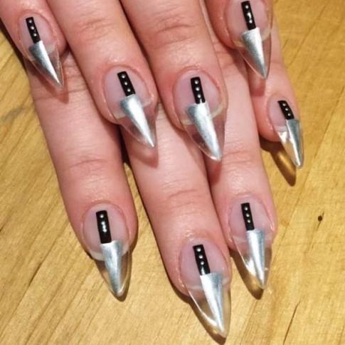 Khi Halloween chễm chệ trên những ngón tay xinh trông cực 'ngầu'