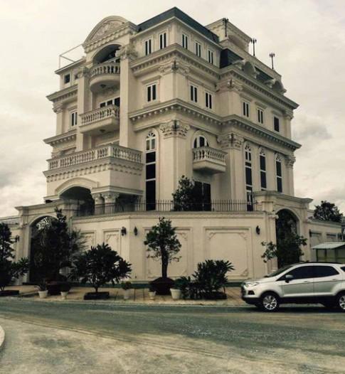 Khối bất động sản khổng lồ của đại gia showbiz Việt - Lý Nhã Kỳ
