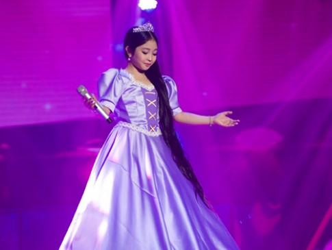 """Liveshow 1 Giọng hát Việt nhí 2015: """"Nổi da gà"""" với cô bé 9 tuổi"""
