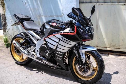 Lột xác Hornet 250 thành thành mẫu xe thể thao Honda CBR1000RR 2015