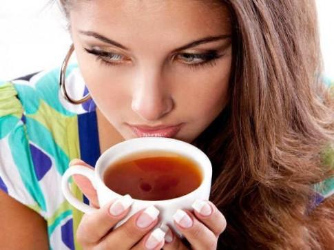 Lý do tuyệt đối không uống trà khi đói bạn nên biết