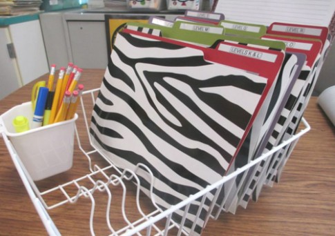 Mách bố mẹ 18 cách sắp xếp đồ dùng học tập dễ tìm, dễ lấy cho con