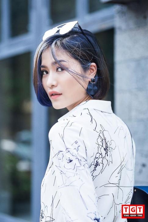 """MC """"Cà Phê Sáng"""" Mai Trang với trang phục năng động"""