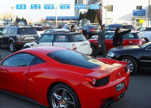 Mỗi ngày 5.000 xe mới đăng ký ở Bắc Kinh