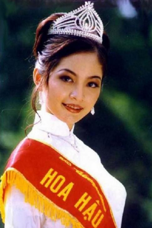 Nhan sắc Hoa hậu Thiên Nga sau 22 năm đăng quang