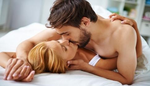 Những điều đàn ông đặc biệt muốn các nàng làm sau cánh cửa phòng ngủ