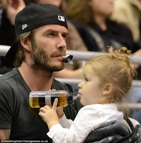 """Những khoảnh khắc """"tan chảy"""" của cặp bố con Beckham – Harper"""