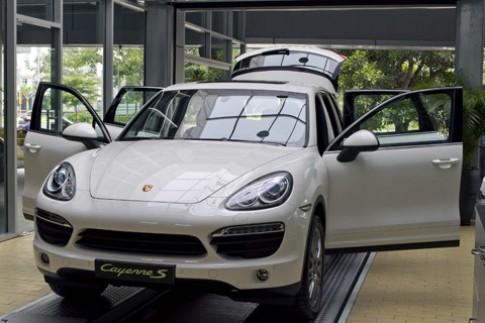 Porsche giảm giá bán tại Việt Nam