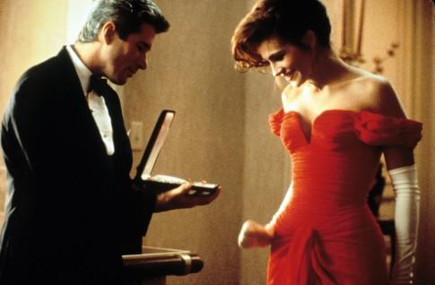 Pretty woman – Vẻ đẹp của bông hoa dại phóng khoáng và lãng mạn giữa Hollywood