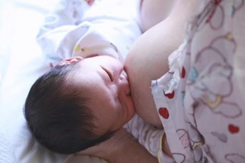 """Quy tắc """"sống còn"""" tránh hội chứng đột tử ở trẻ sơ sinh (SIDS)"""