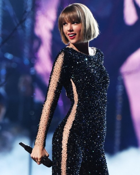 """""""Rắn chúa"""" Taylor Swift đẹp nuột nà nhờ những bí quyết ít ai ngờ"""