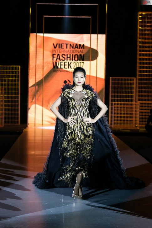 Thanh Hằng mang đến cái kết viên mãn cho VIFW 2017