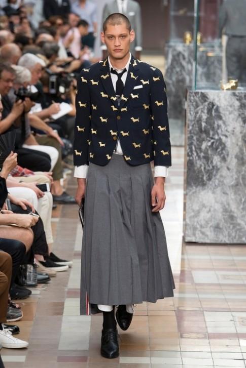 Thật sự 'cạn lời' với ý tưởng vô cùng kỳ lạ cho 'đàn ông mặc váy' của NTK Thom Browne
