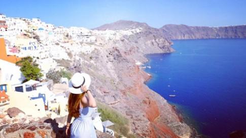 Theo chân cô gái Việt tới thăm những ngôi nhà nấm trên đảo Santorini
