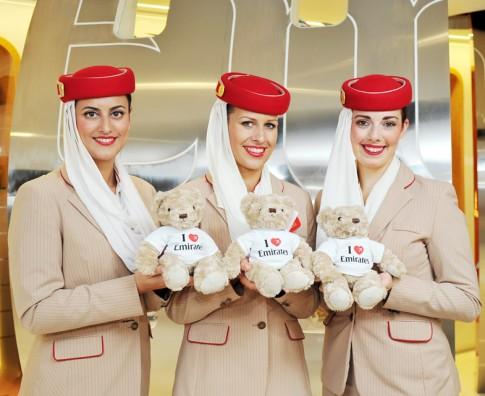 """Tiếp viên xinh đẹp của hãng hàng không cao cấp nhất """"thôi miên"""" hành khách bằng cách này"""