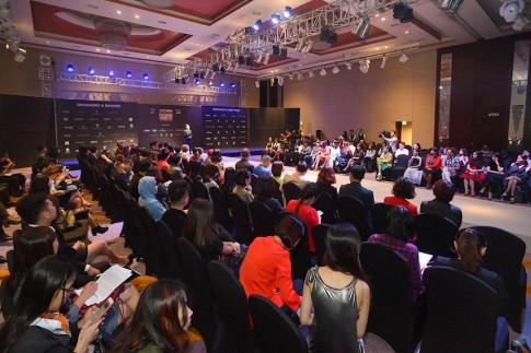Tuần lễ thời trang Quốc tế Việt Nam mùa 4 tiếp tục gây ấn tượng với những NTK đình đám