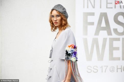 VIFW 2017: Nổi bật với loạt trang phục rực rỡ, Street style ngày thứ 3 tràn ngập những item hay ho