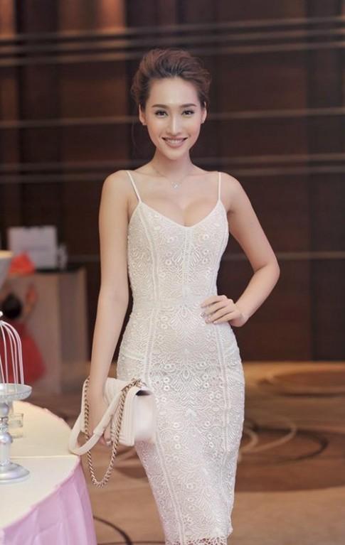 Vòng 1 đẹp mỹ mãn của kiều nữ Việt này khiến bao anh điêu đứng