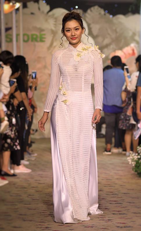 Áo dài cưới cách tân của Minh Châu