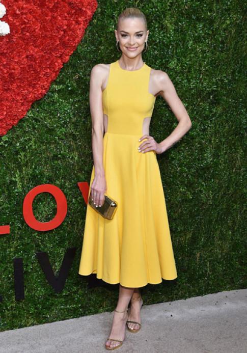 Chân dài Mỹ phản đối việc cấm người mẫu siêu gầy