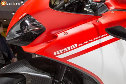 Chiêm ngưỡng cận cảnh Ducati 1299 Superleggera - chiếc xe mô tô đắt xắt ra miếng