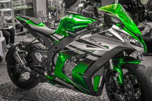 Kawasaki ZX10R phiên bản Green Chrome nổi bật