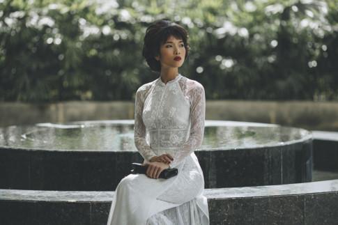 Người mẫu Bằng Lăng đầy cảm xúc trong tà áo dài truyền thống