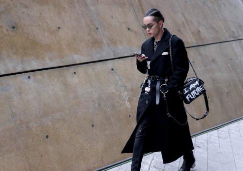Seoul Fashion Week 2017: Ngày thứ 5 vắng bóng đồng hương, Kelbin Lei vẫn mặc đẹp 'lạc lối' nơi xứ người
