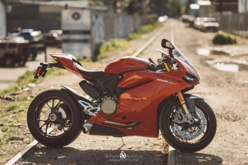 Siêu xe Ducati 1299 Panigale S đẹp lộng lấy trong bộ ảnh chất lượng