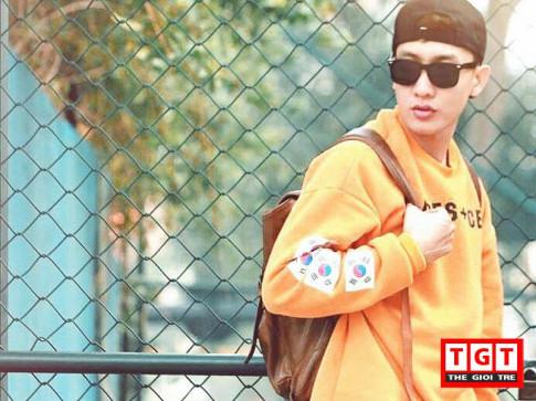 Street style đến trường sành điệu như fashionista của hot boy Viện Đại học Mở HN