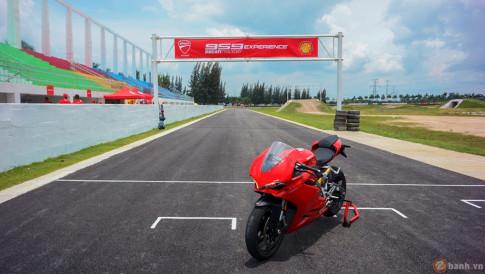 Tuyệt phẩm thương mại Ducati 959 Panigale gào thét trong ngày hội Trackday của Ducati Việt Nam