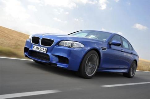 BMW đưa tiếng động cơ vào cabin